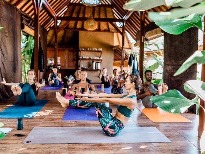 Yoga Teacher Training Indonesien